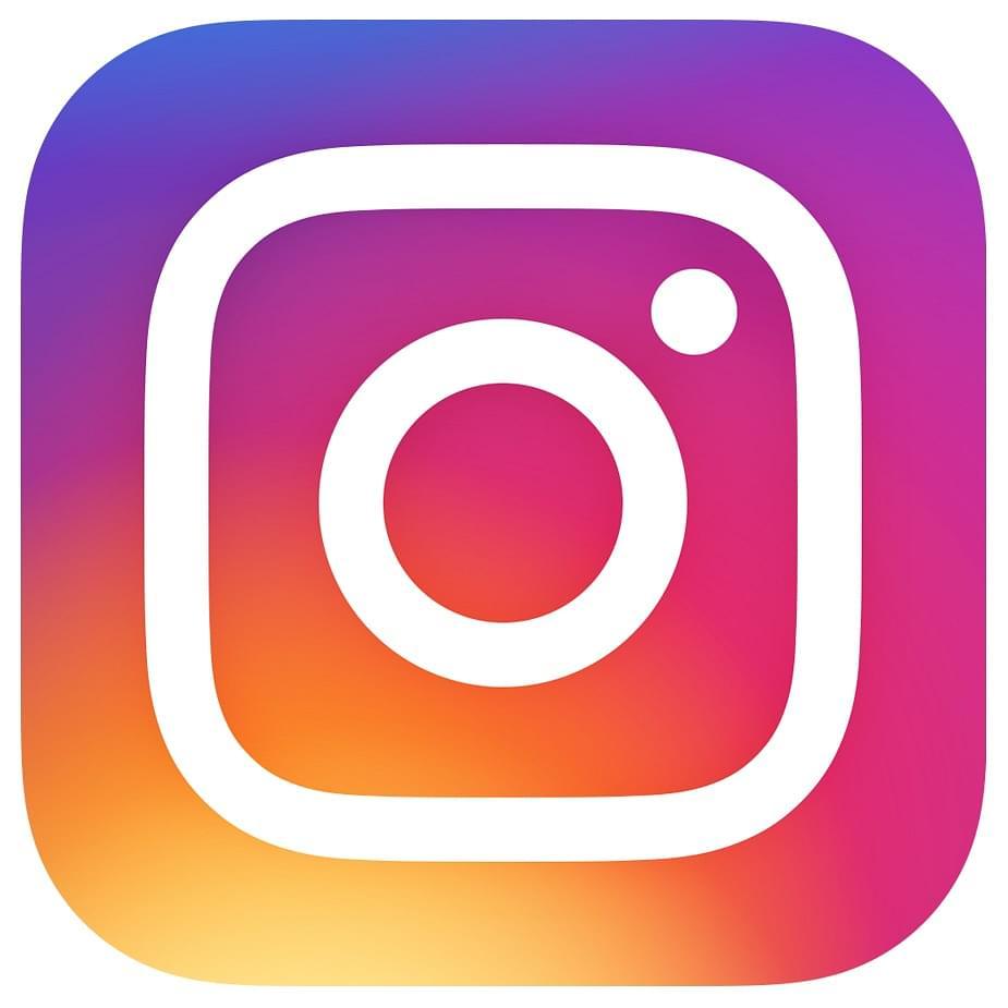 booking.com instagram